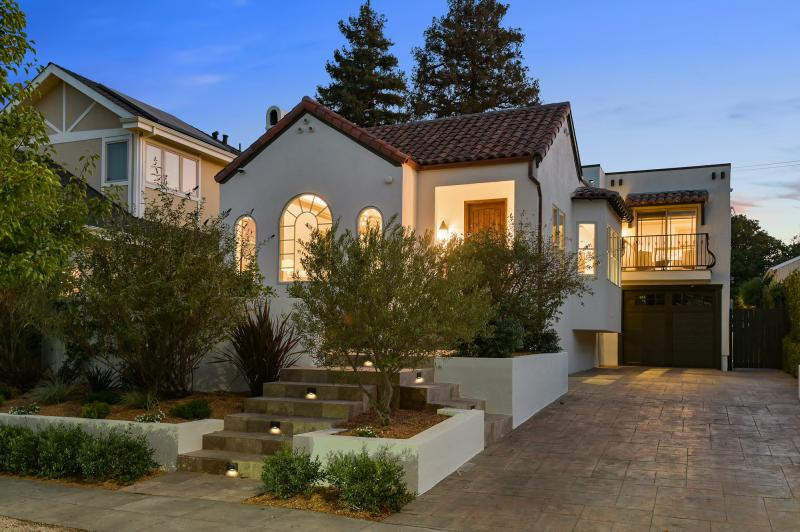 1511 Drake Avenue, Burlingame Photo